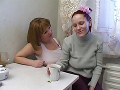 Руската мама и момиче 23 26