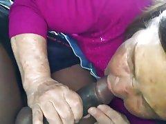 Корейски баба в колата